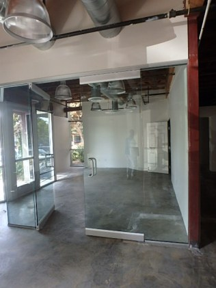 herculite doors, la mesa glass, spec suite, TI, dowling construction