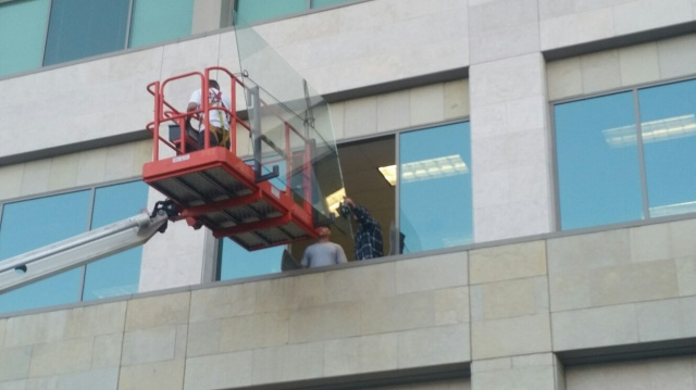 glazing, glass, boom lift, construction, TI
